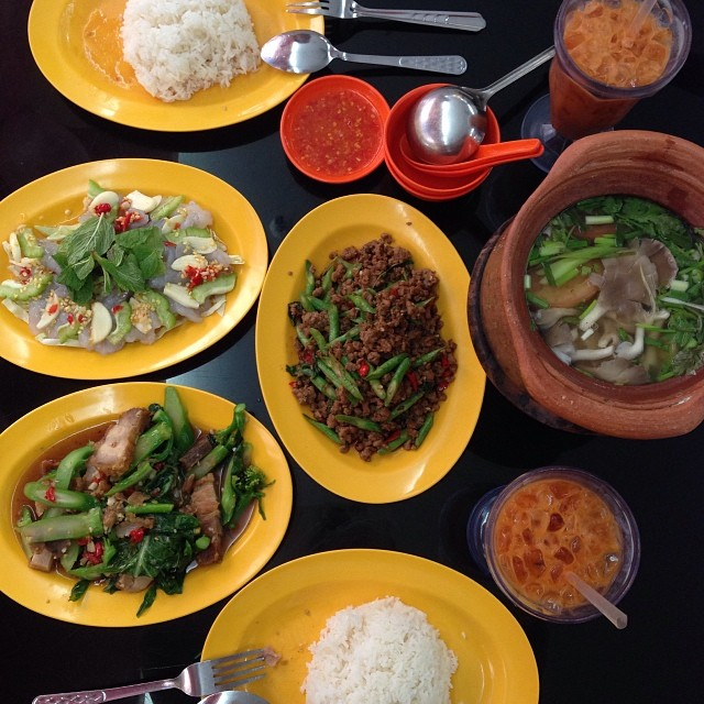 best singapore dating places to eat