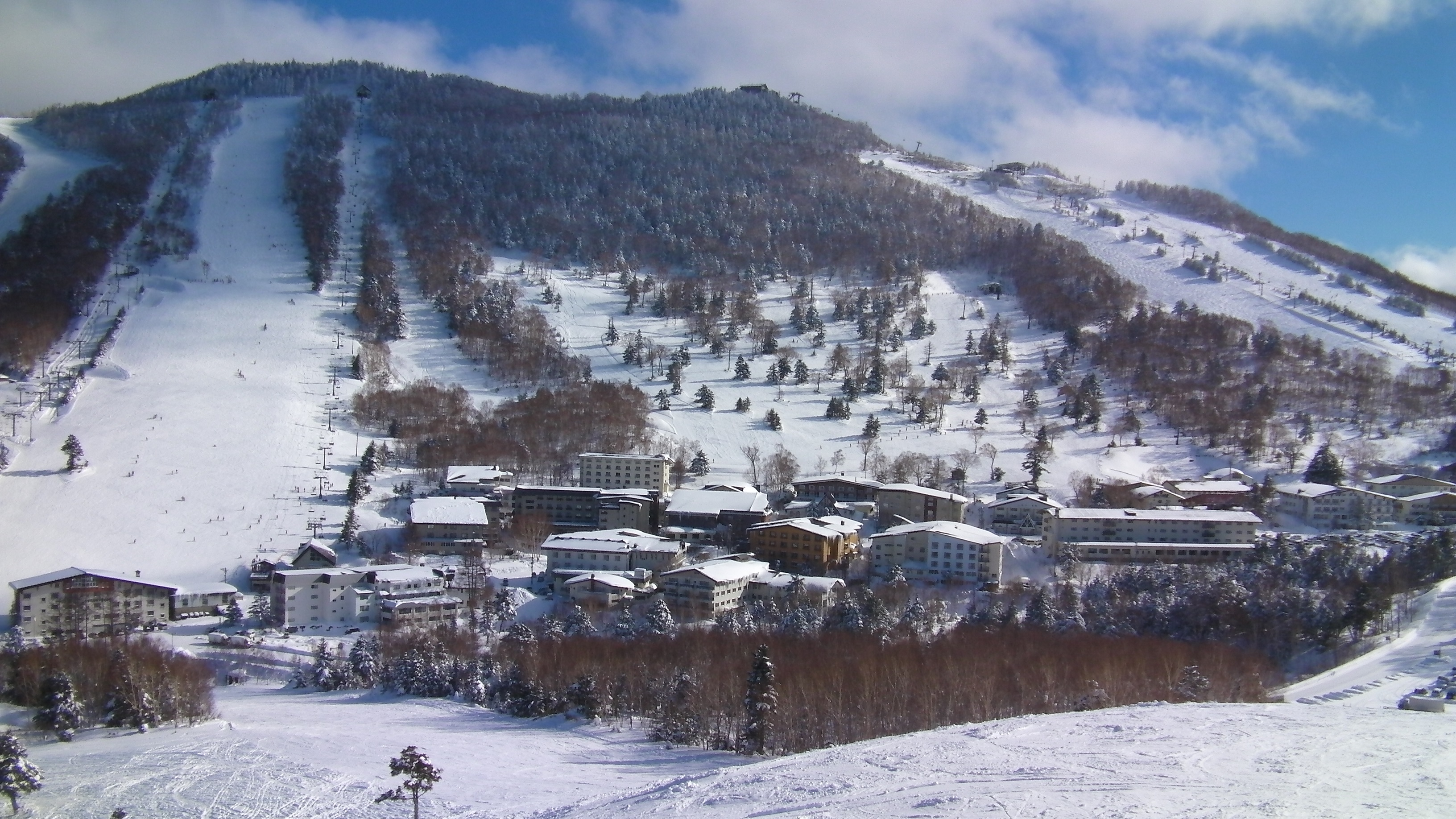 10 amazing ski resorts in asia to stay at for under $200/night