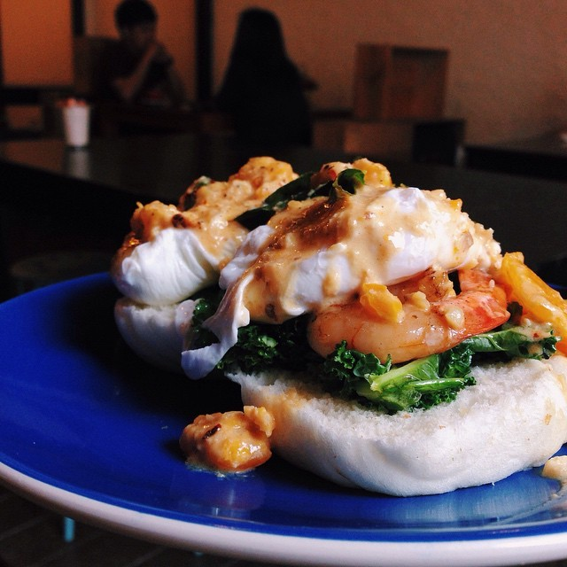 Singapore Hawker Recreations - Salted Egg Yolk Prawn Eggs Benedict