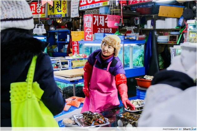 The Smart Local - Local seafood seller at the Noryangjin Fish Market