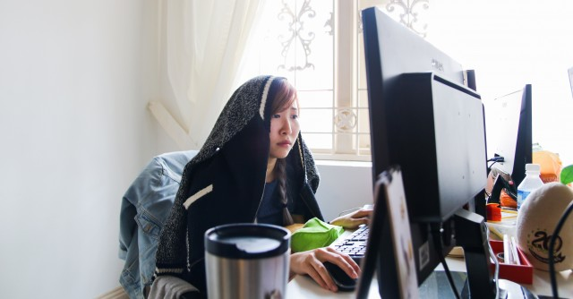 10 Signs You Are Chionging Way Too Hard At Work