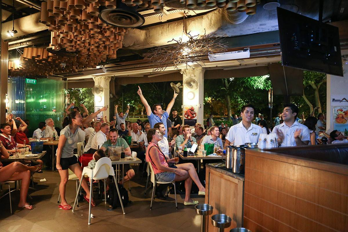 11 Best Sports Bars In Singapore To Hit Up Over The FA Cup Weekend