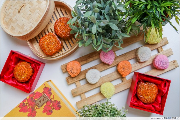 Fairmont Singapore's Mid Autumn Festival 2016 Mooncakes Are Going From $8/piece!
