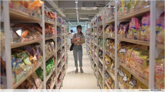 Tokutokuya Hidden Quot Daiso Quot In Amk With 2 Japanese Snacks