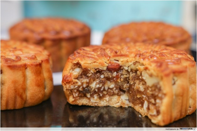 carlton Traditional Mixed Nuts mooncake