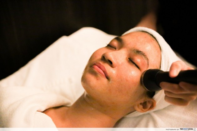 Jean Yip's R6 Trilogy Detoxification Therapy Cares For The Neck & Eye Regions You've Been Neglecting