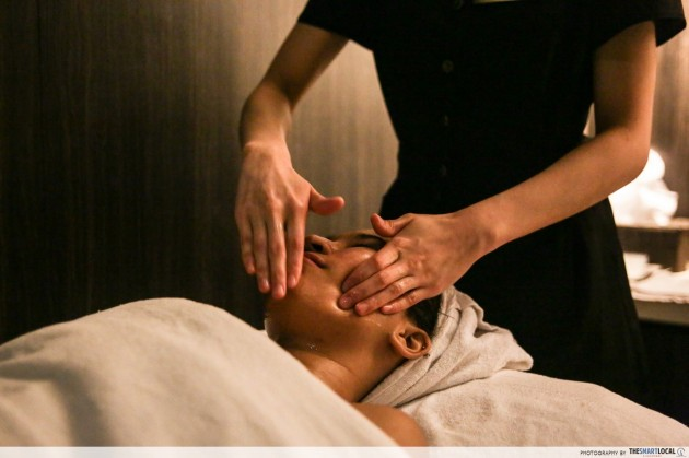 Jean Yip facial detox therapy massage