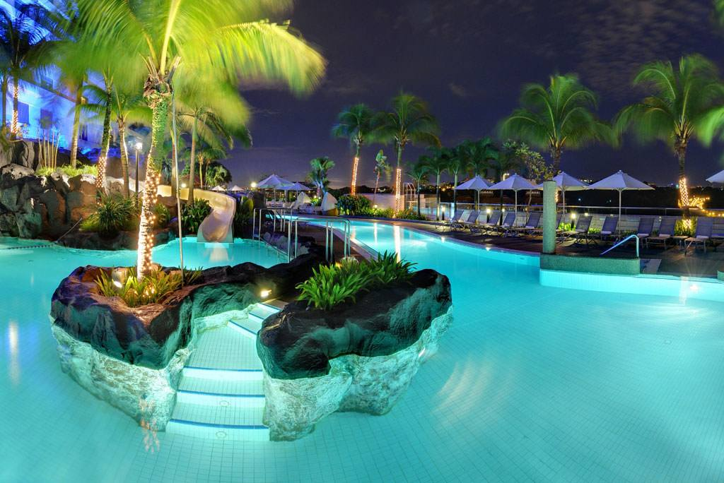 10 luxury resorts in malaysia to live with no regrets for Pool design regrets