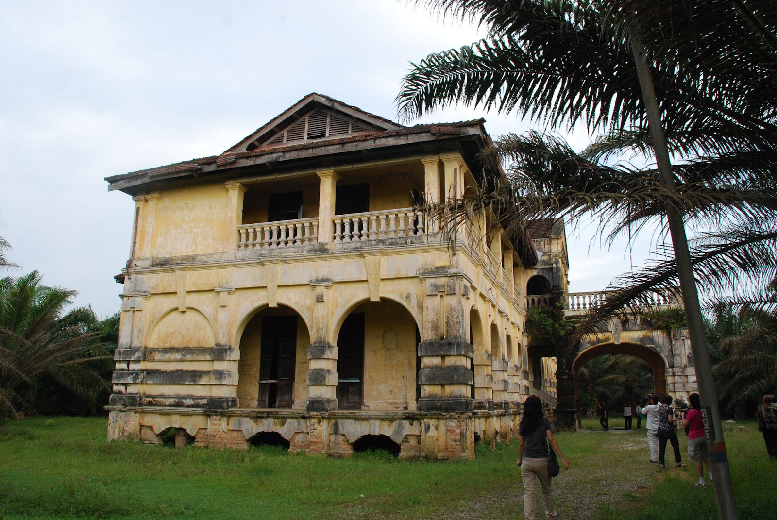 10 haunted places in malaysia and the horrors you 39 ll for Classic house kl