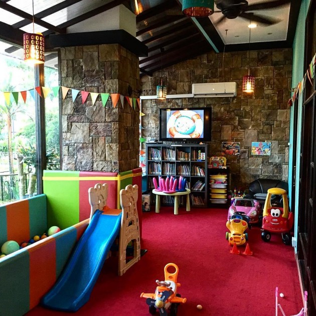 Fortunately Quentin S Has The Best Playroom I Ve Ever Seen So Your Kids Will Be Hily Occupied While Waiting For Their Meal