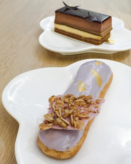 Amiral Atelier, Fig Eclair and Chocolate Mousse Cake