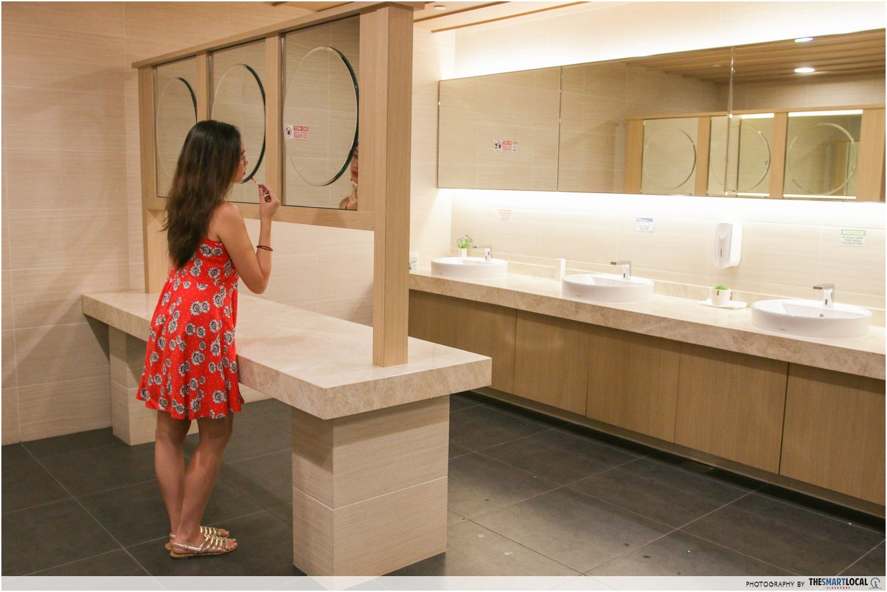 beautiful public toilet Japan food town wisma atria mirrors