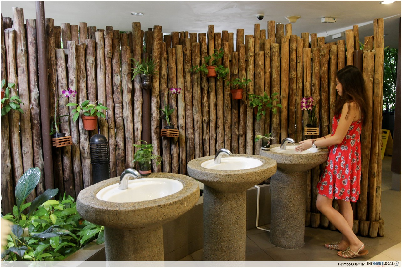 9 most beautiful public toilets you can find in singapore for Zoo bathroom decor
