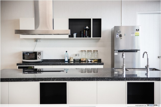 The Smart Local kitchen, Tak cabinets