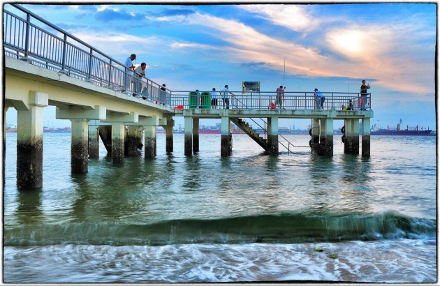 10 Awesome Places to Fish Legally in Singapore and What You