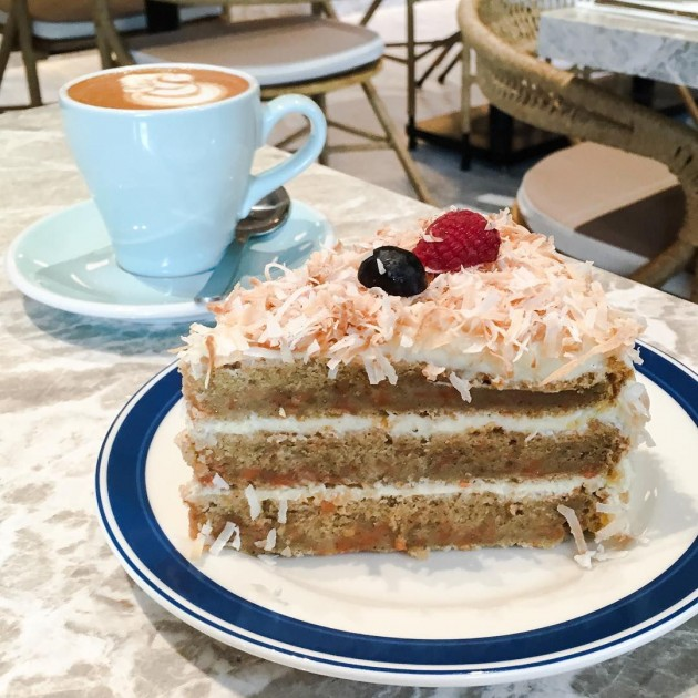 fynns cafe, carrot cake