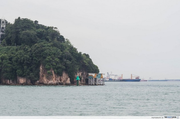 Keppel Harbour, Tanjong Rimau, green conical beacon