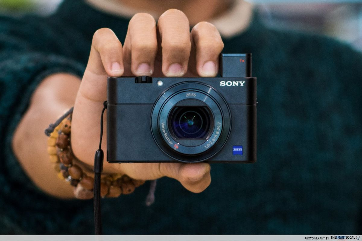 sony dsc-rx100m5 close-up