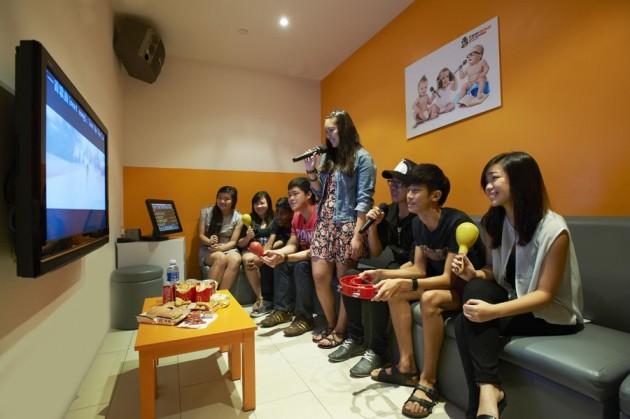 Teo Heng KTV Studio Cheap Karaoke
