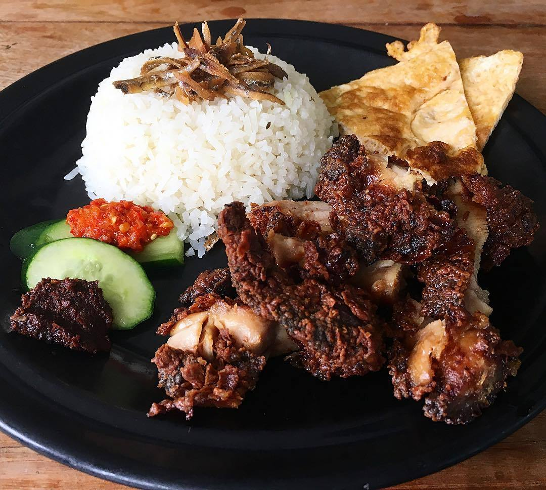 Revolution Coffee Crispy Chicken Nasi Lemak set