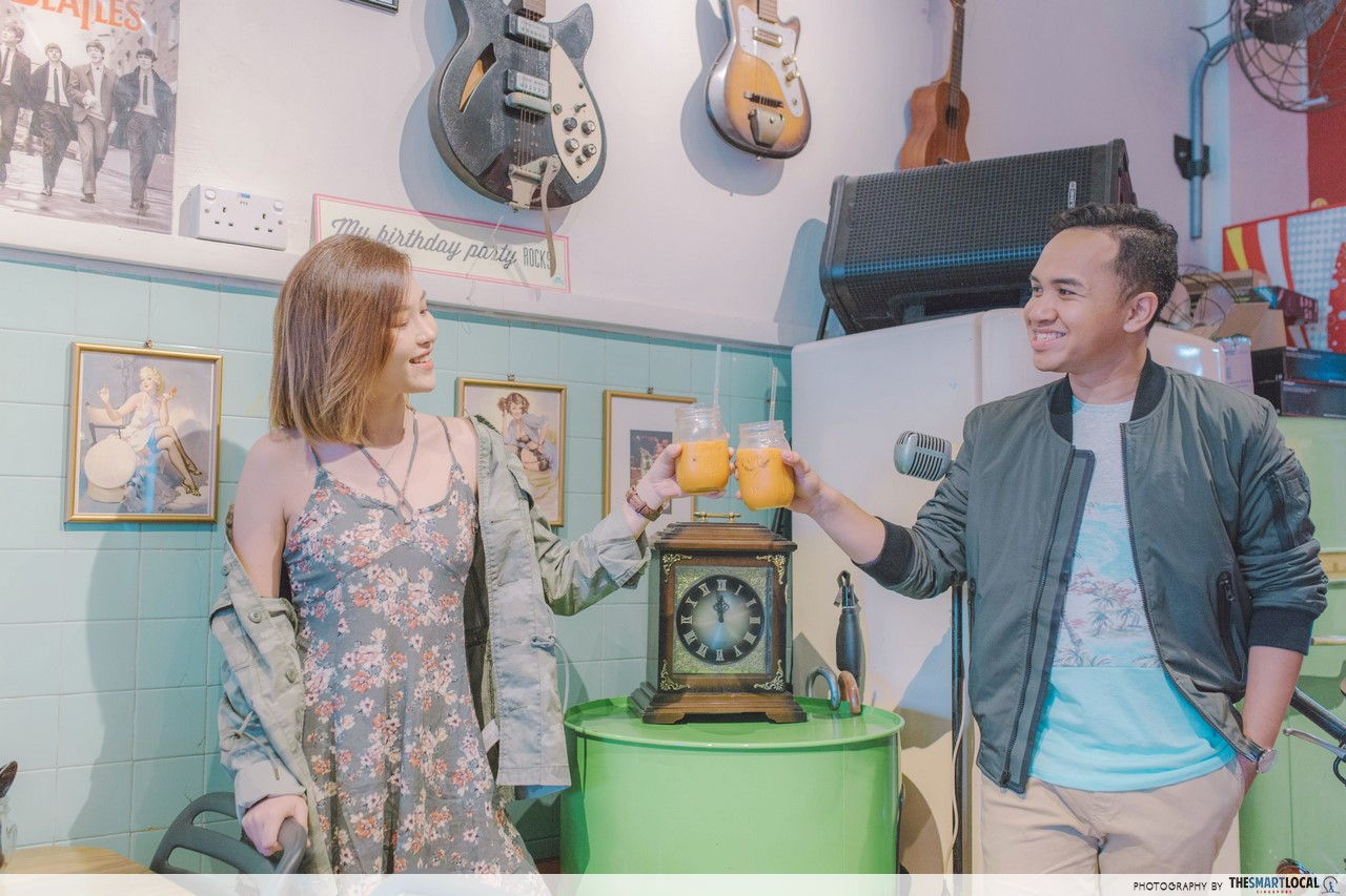 TSL X AEO having a break with some Thai Iced Tea at Kombi Rocks Diner.