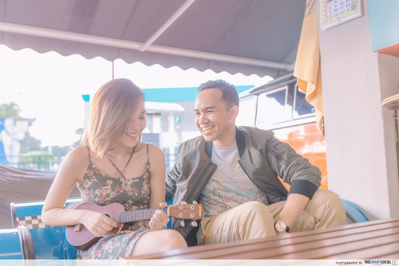 TSL X AEO having a chill afternoon music session at Kombi Rocks Diner.