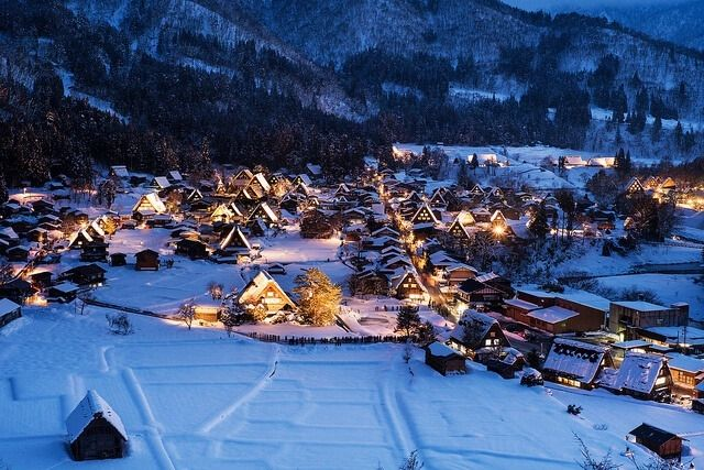 Picturesque scenery in Shirakawa-go.