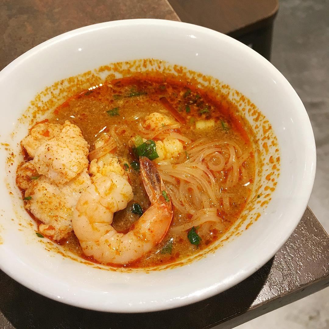 $  1.90 Thai boat noodles in Tuk Tuk Cha J8!