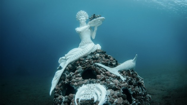 bali living sculpture body shop mermaid artificial reef diving underwater indonesia sculpture