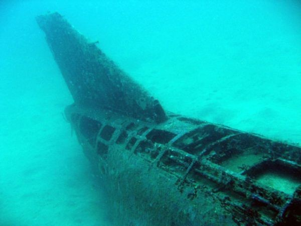 underwater f4 fighter jet wreck subic bay diving