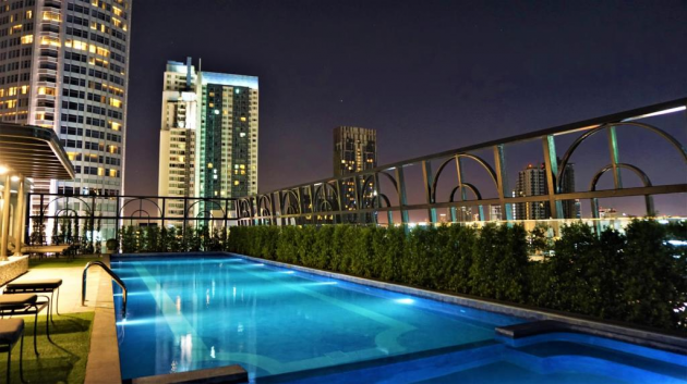 the salil boutique hotel rooftop pool