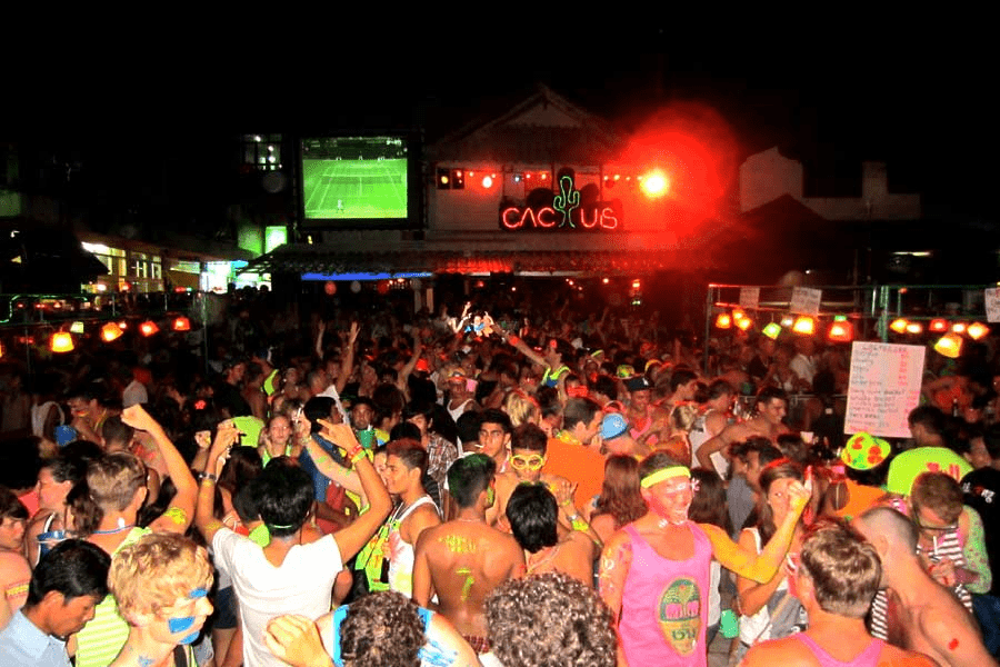 gili trawangan nightlife party