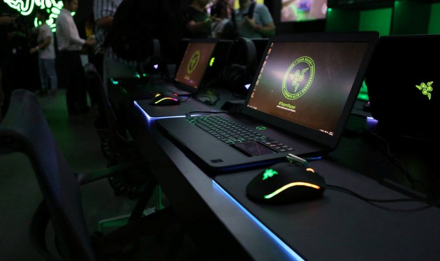 sleek razer laptops