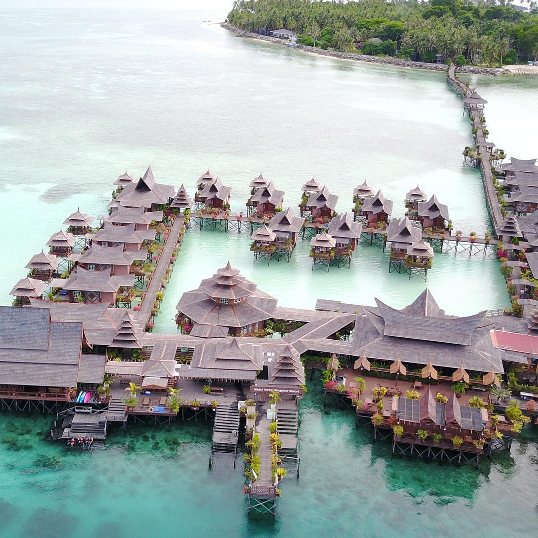 Mabul Water Bungalow: 11 Incredible Flotels In Southeast Asia For Cheaper