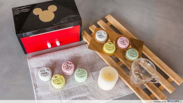 crystal jade disney mooncakes