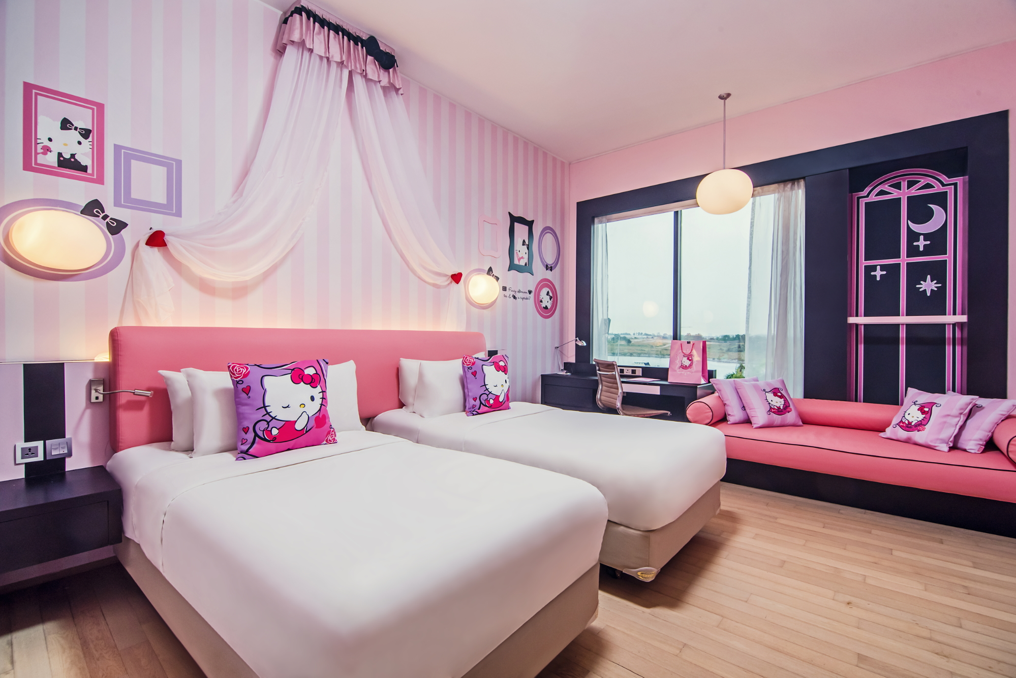 11 JB Hotels Near The Causeway From $41/Night For 2D1N Shopping Marathons