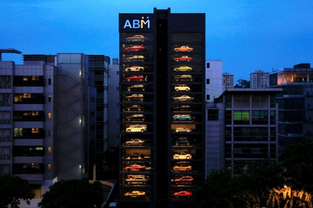 Autobahn Motors Luxury cars vending machine Singapore