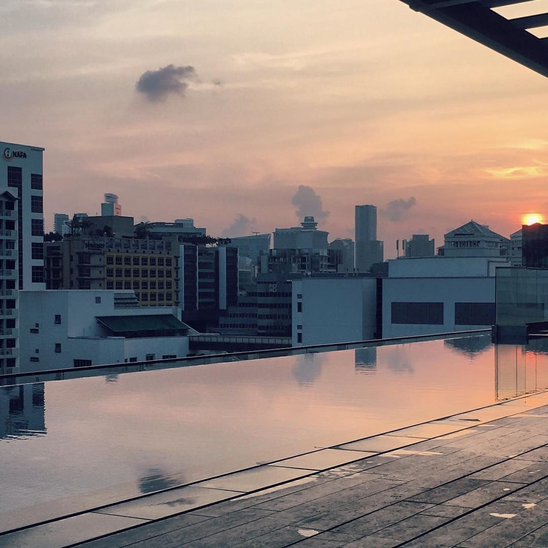 5 Hotels In Singapore With Infinity Pools To Stay At For