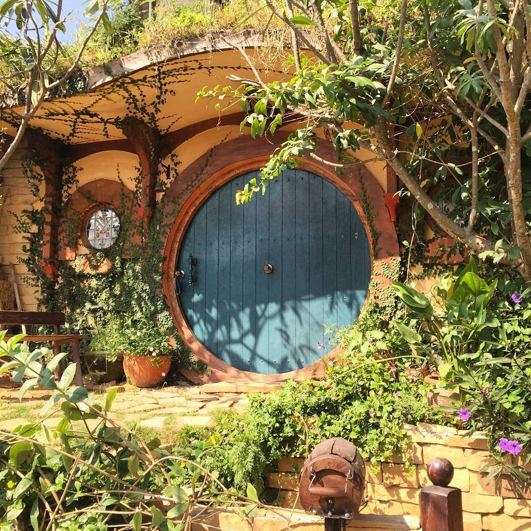 hobbit house thailand