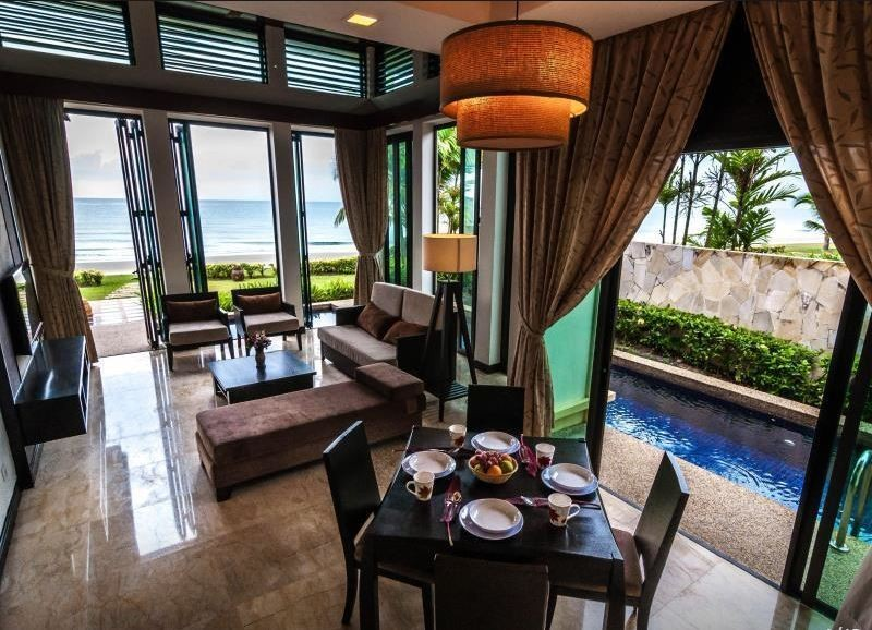 Borneo Beach Villas' Seaview Spa Suite