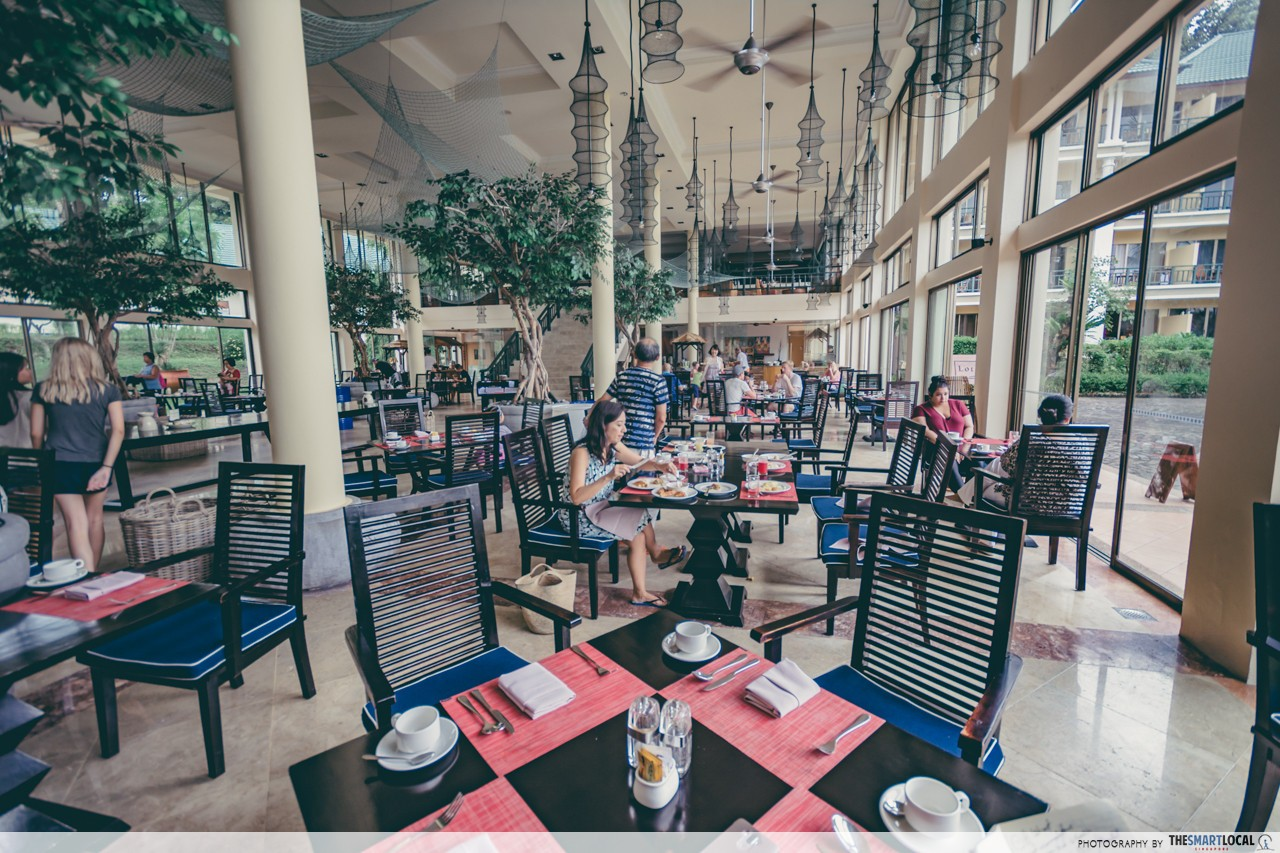 Cassia Bintan Dining Lotus Cafe Interior