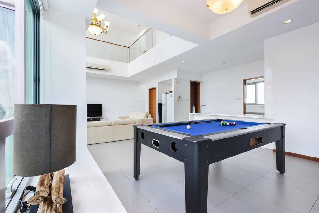 airbnb near me with pool table