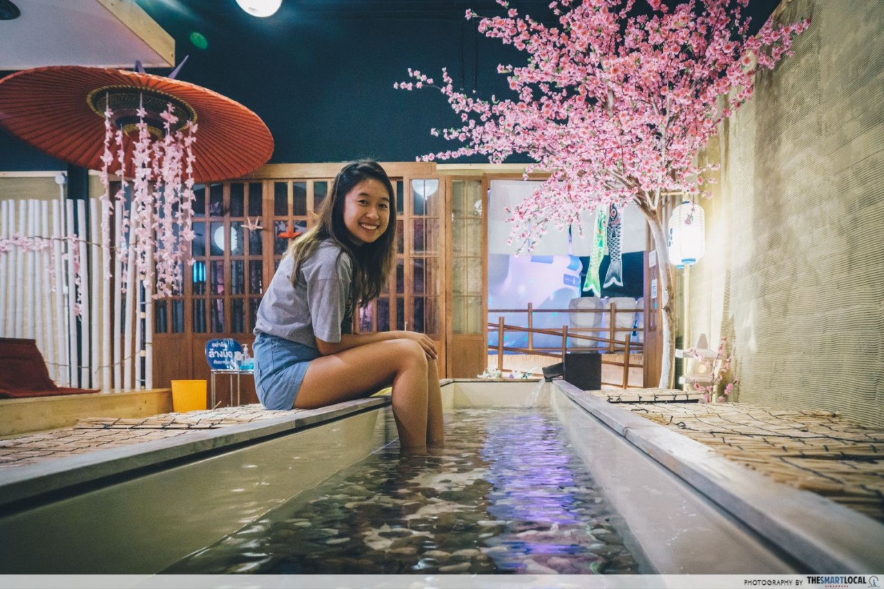 Soak your feet in hot water baths for free at Snow Town Bangkok