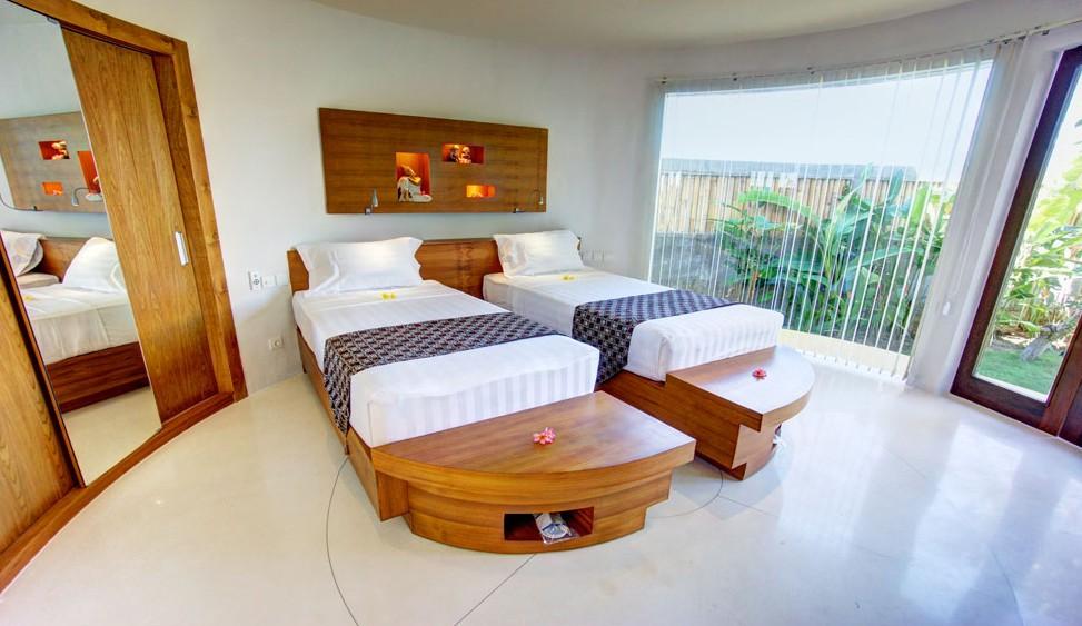 Bali Eco-Resorts - Flaoting Leaf Bed
