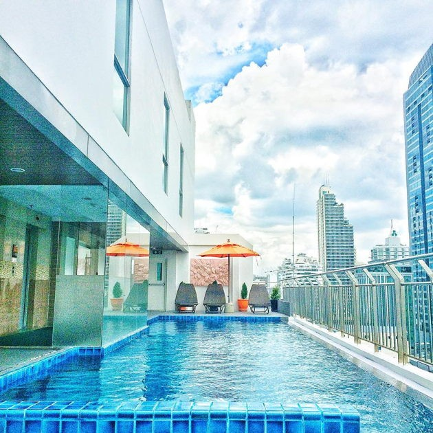 Cheap and romantic couple vacations in Asia Adelphi Forty-Nine hotels with rooftop swimming pool