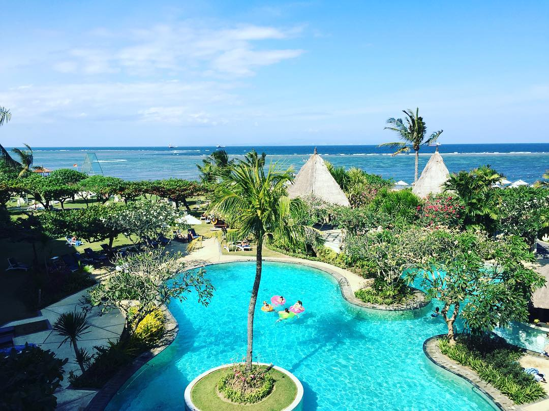 Cheap and romantic couple vacations in Asia Bali Grand Mirage Resort