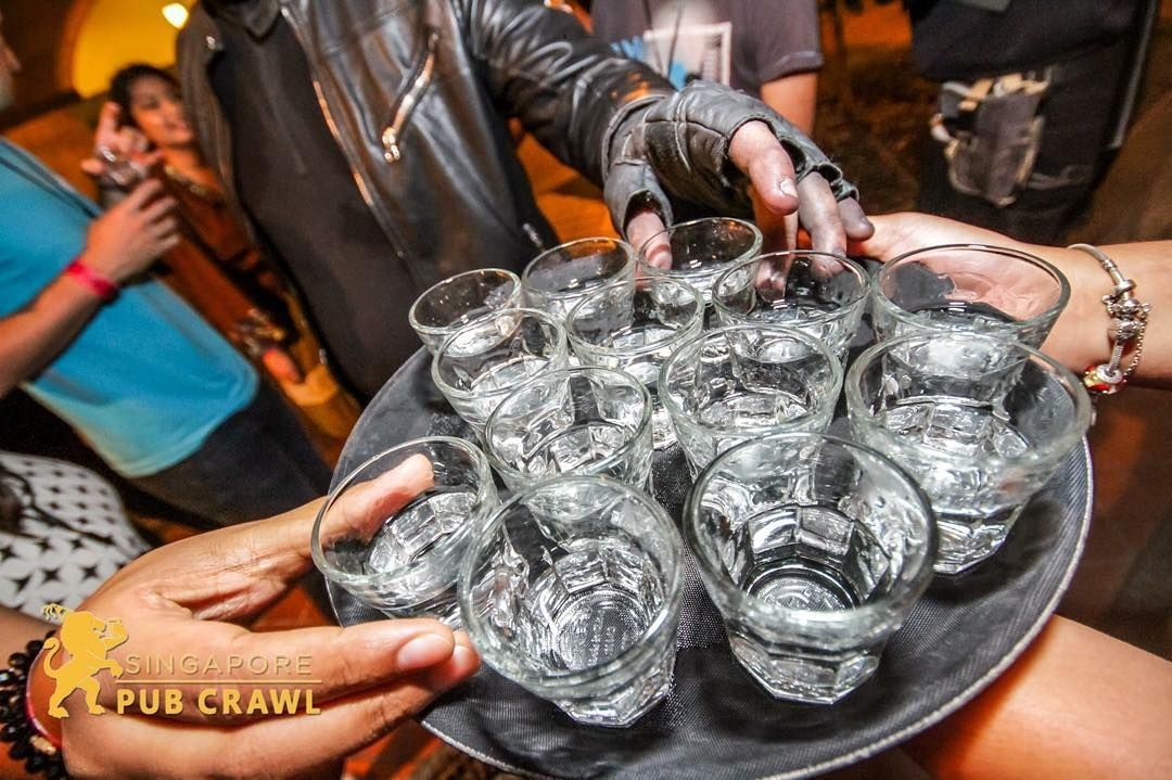 Go on a pub crawl and enjoy 4 shots for only $  5