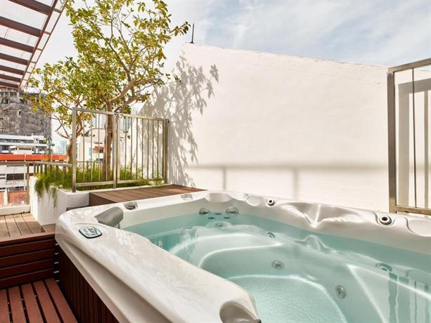 arcadia hotel jacuzzi pool