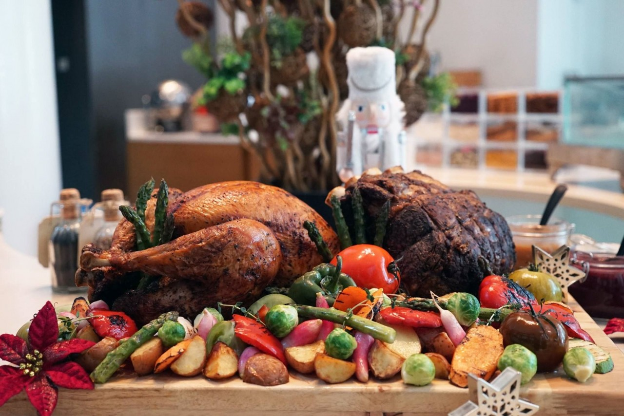 8 Christmas Hotel Buffets In Singapore You Can Get Under $50 With No Sneaky Terms & Conditions