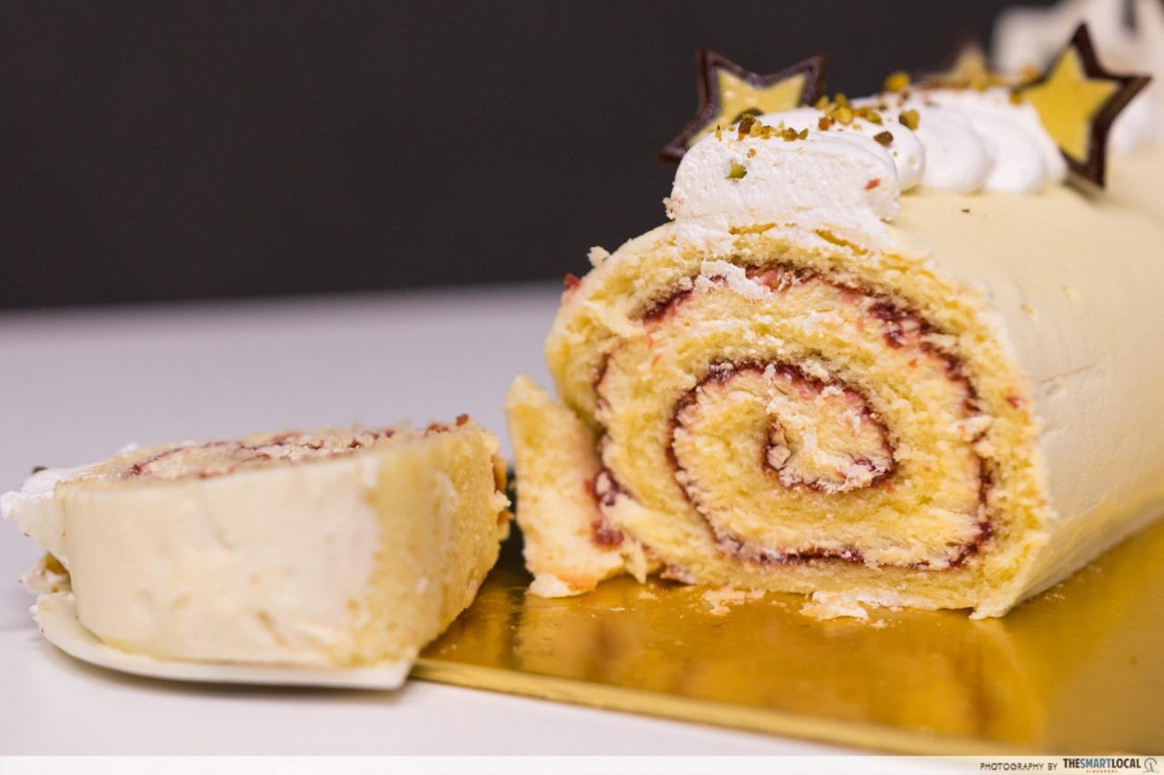 White Chocolate Raspberry Log Cake
